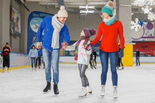 どの季節でも楽しいスポーツ!初めてのアイススケートに行く前に