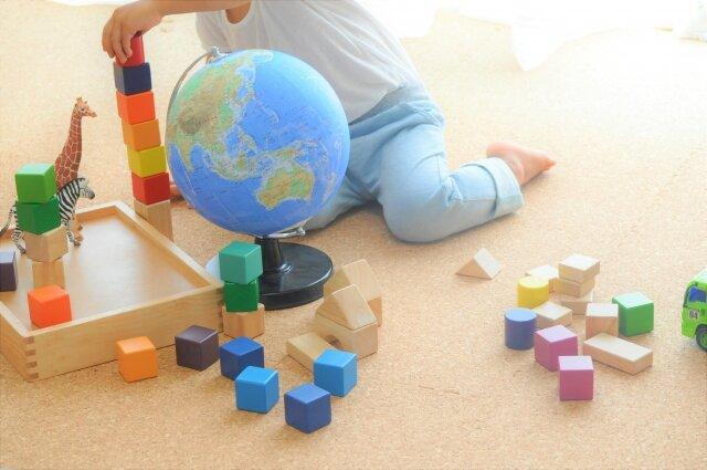 知育玩具で遊びながら知能も伸ばそう!はじめて購入を考えている方へ