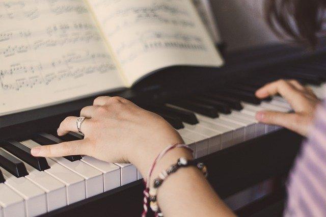 今からでも遅くない、ピアノを始めて趣味を充実させよう