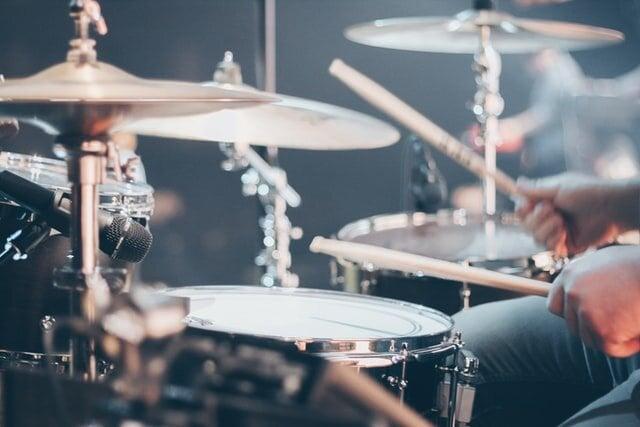 大人になってからでも楽しめるドラムをはじめてみよう!