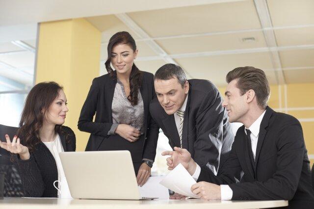 初めて外国人雇用をする時、入管法と労働法に注意しましょう!