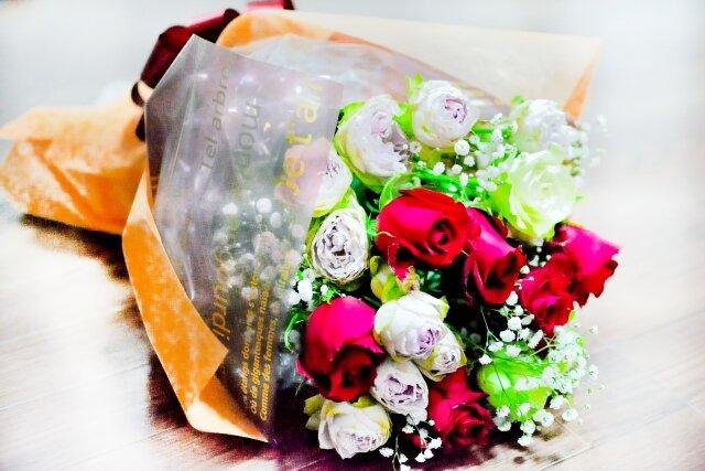 はじめてフラワーギフトを贈る前に知っておきたいお花の選び方や購入について