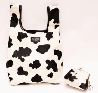牛×ウシ×丑!?がま口収納ポーチ付き牛柄エコバッグ | ハンドメイドマーケット minne (5393)