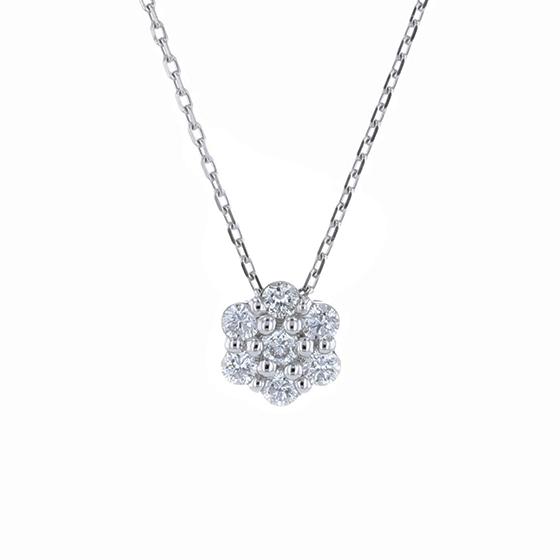 フェスタリアのダイヤモンドペンダント
