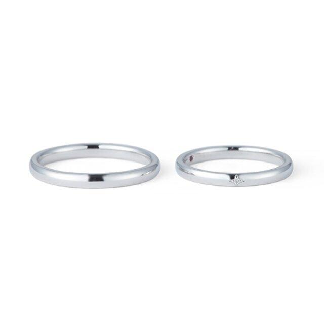 シンプルな一粒ダイヤの結婚指輪