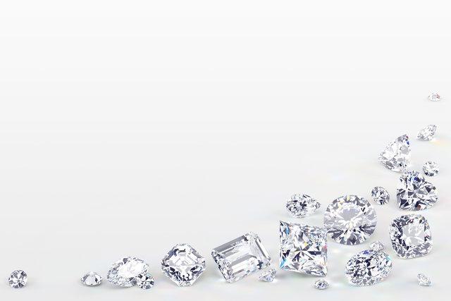 無造作に散らばったダイヤモンド