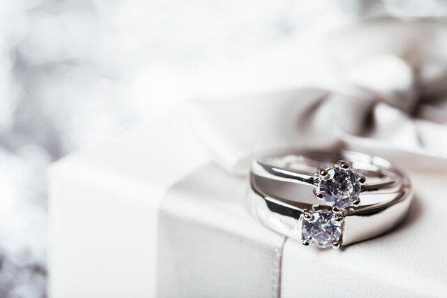 ホワイトゴールドのダイヤモンドリング
