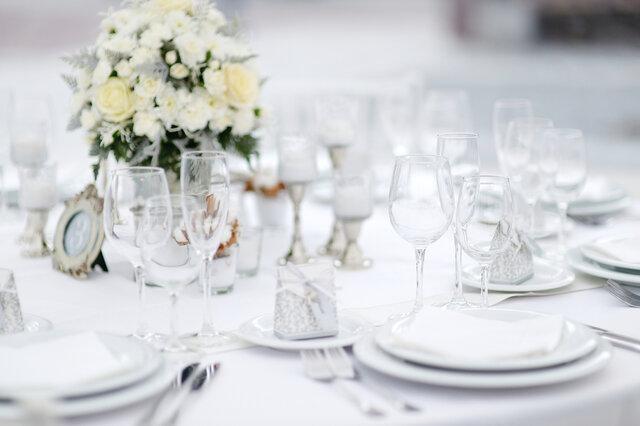 披露宴のテーブルセット