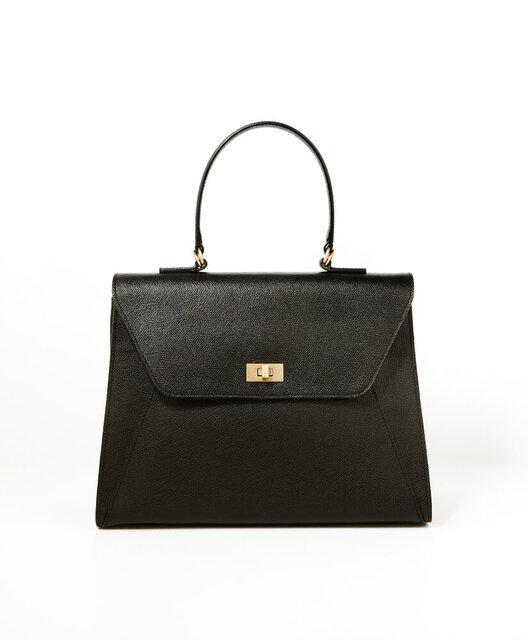 黒のフォーマルバッグ