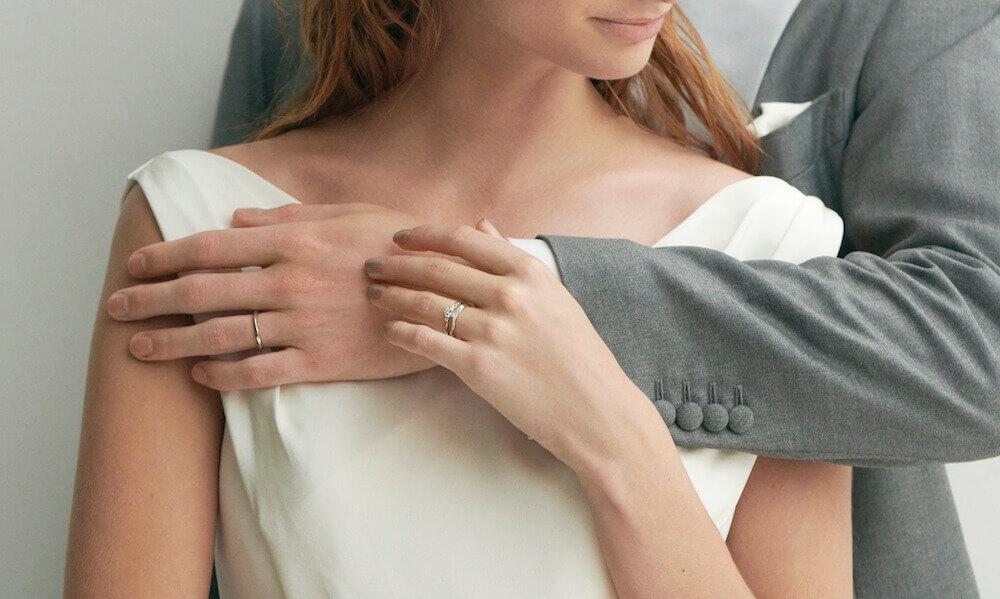 フェスタリアの結婚指輪を着けた夫婦