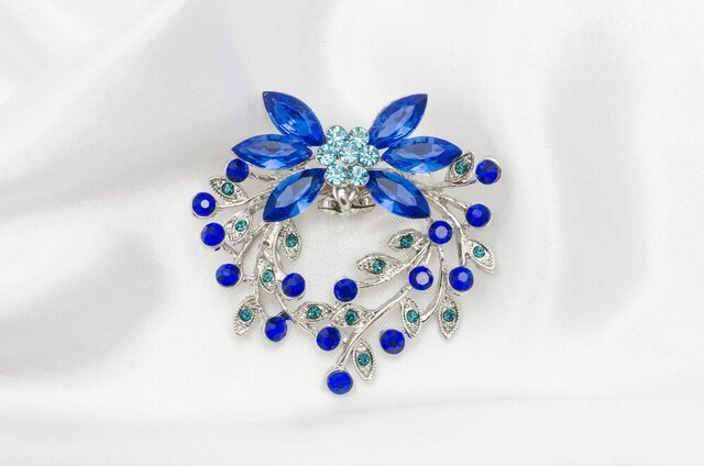 青のヘアアクセサリー