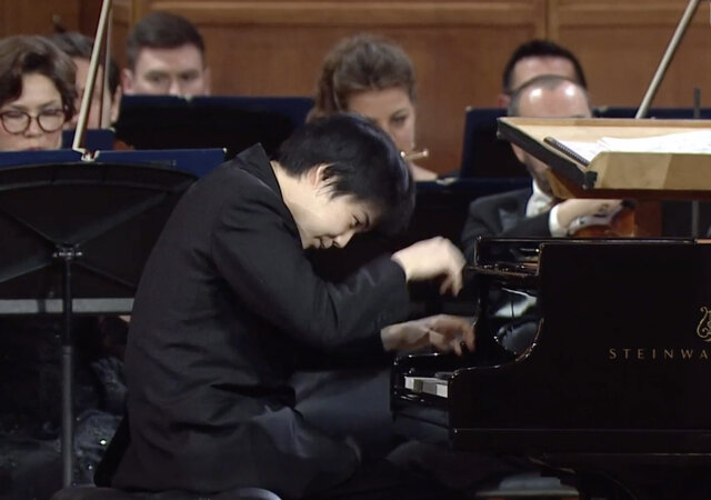 藤田真央、ケネス・ ブロバーグ~第16回チャイコフスキー国際コンクール〈ピアノ部門〉ファイナル