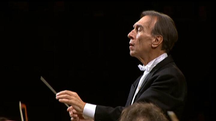 クラウディオ・アバド・コンダクツ・ベートーヴェン:交響曲第8番