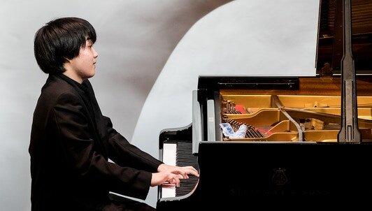 藤田真央ピアノ・リサイタル in Paris 2018 -リスト、スクリャービン、プロコフィエフを弾く Fondation Louis Vuitton 2018