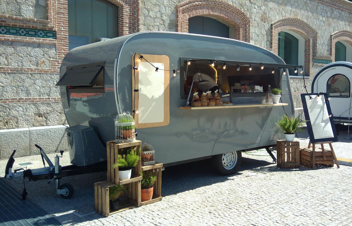 キッチンカー(移動販売車)は安くレンタルできる?車両リースパッケージとは