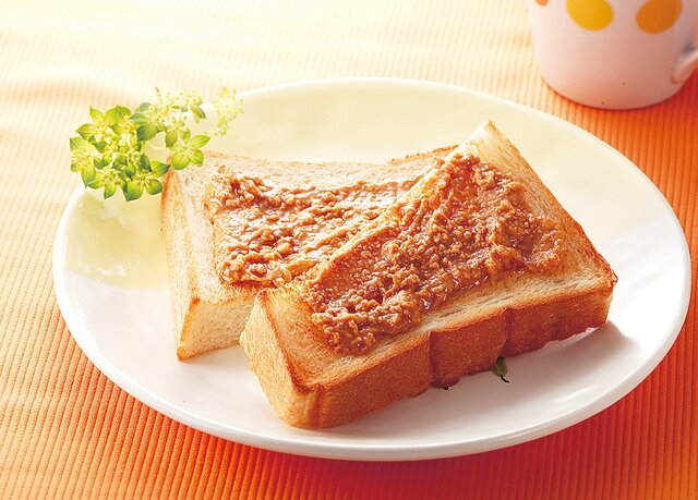 ピーナツバタートースト