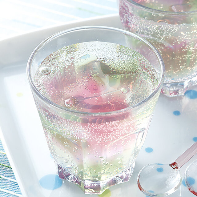かき氷シロップでカラフルソーダ