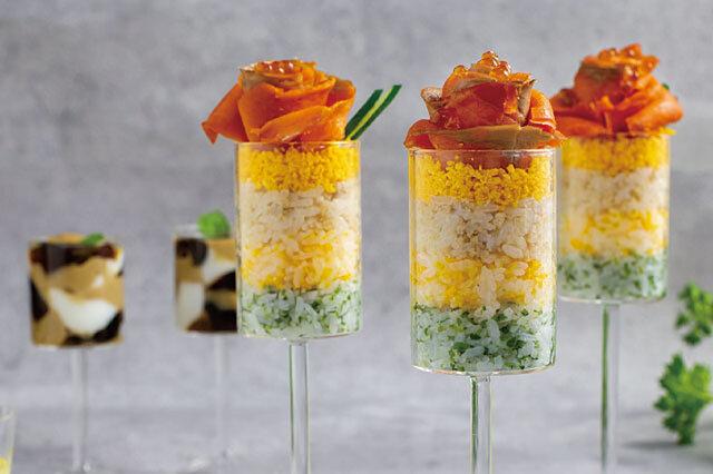 バラ咲くカップ寿司