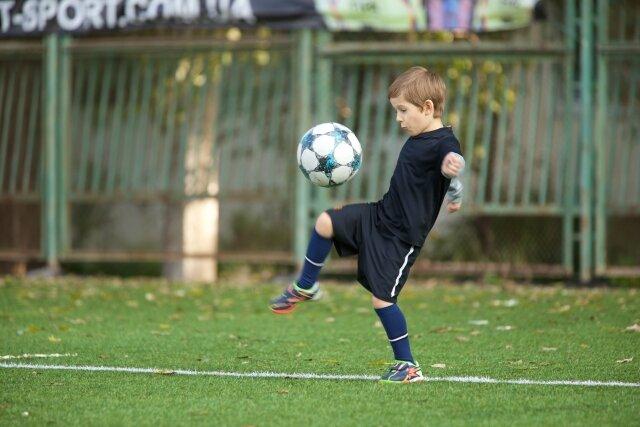 サッカーの練習を一人でやるメリットと練習法