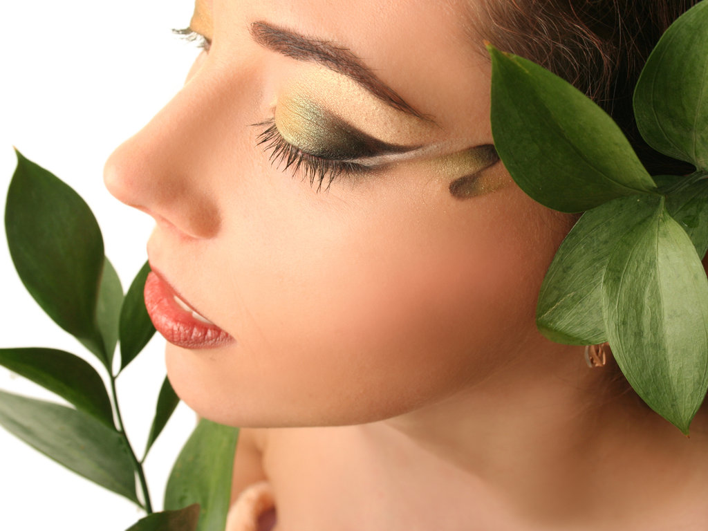 グリーン系のおすすめ香水10選!男女で使える人気の癒やしの香り