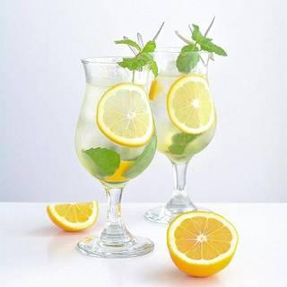 甘みと爽やかな風味が癖になる!南イタリア伝統のレモン酒「リモンチェッロ」