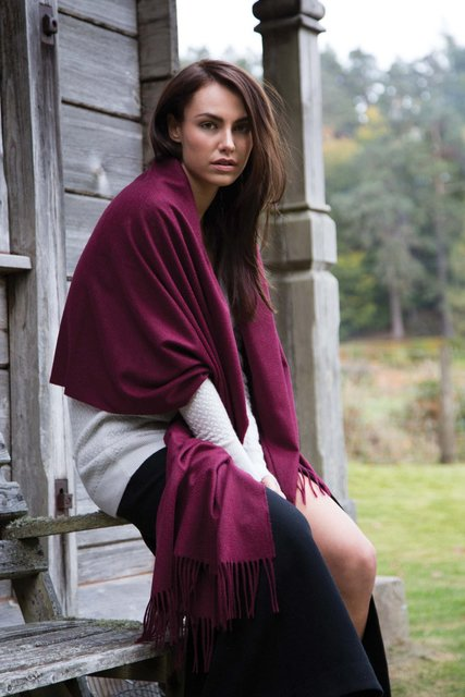Johnstons of Elgin | Scottish Cashmere | Made in Scotland | finest cashmere sweaters, knitwear and accessories - fine cashmere clothing, accessories and knitwear (3522)
