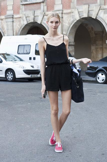 パリの街で見かけた美人_jp.xinhuanet.com (10032)