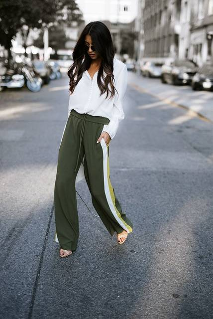 The Trend: TRACK PANTS (Not Your Standard) (15951)