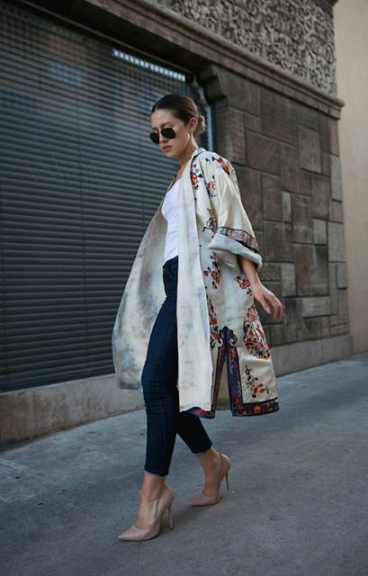 Vintage silk robe with an American Apparel tank, Citizens of Humanity jeans, Kurt Geiger pumps | Fashion | Pinterest | 着物、スタイル、シルク (17950)
