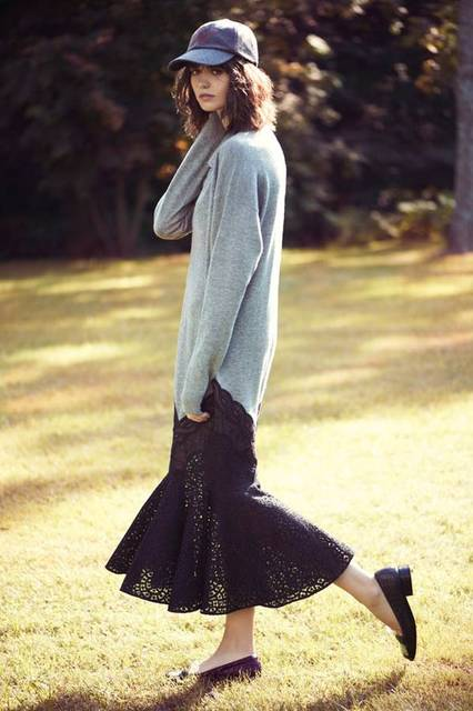 Marta Dyks Poses In the Countryside for Elle Poland by Adam Plucinski | 帽子、愛してるのおしゃれイメージ画像、野球 (23747)