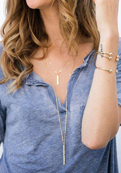 If you've been on the hunt for a cute double-chain necklace, then put the search to an end with this golden chained necklace. It has metallic penda… | Pinteres… (29292)
