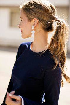 Statement earrings & Ponytail. | Timeless Style | Pinterest | スリーブ、イヤリング、春のスタイル (29296)