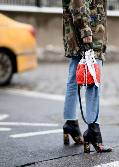 The Best NYFW Street Style From The Fall 2017 Season (41363)
