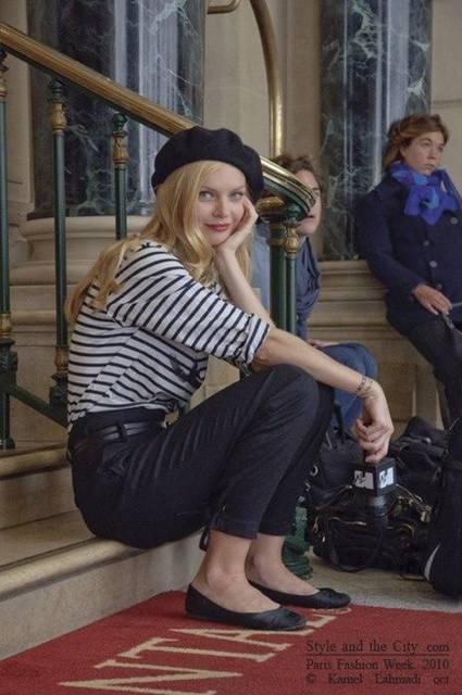 Yet again (the typical french gamine uniform. Beret included) | Kibbe Gamine Types | Pinterest | シックファッション、ストリートファッション、レディース ファッション (41548)