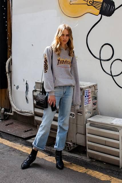 TOP | THRASHER PANTS | ZARA SHOES | ZARA BAG | VINCE Street Style Emma, Seoul | sweatshirts&pants | Pinterest | ストリートファッション、レディース ファッション、服装 (42831)