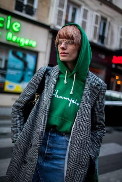 They Are Wearing: Paris Fashion Week Fall 2017 | スリットスカート、ピンヒール、パリ (43016)