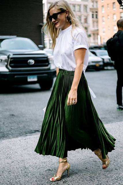 Long length pleated emerald skirt, a true statement piece for this Spring Summer. | Green | Pinterest | プリーツスカート、フィット、スカート (43474)