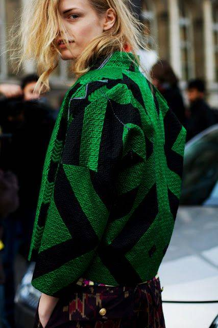 Dries van Noten, street style, green coat, office style, statement coat | Green | Pinterest | スポーティー と ファッションコーデ (43476)