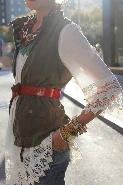 Army vest, F21 bohemian tunic and red belt somehow come together in this wonderful look | My Style | Pinterest | おしゃれ、いい、ファッション (46239)
