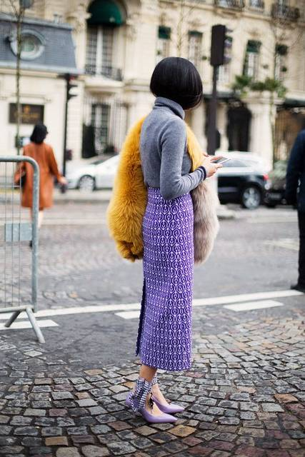 Furry coat, long skirt, swan neck and up lace stilettos - Paris Fashion Week PFW | Chic | Pinterest | 普段着、世界観、ファー (48450)