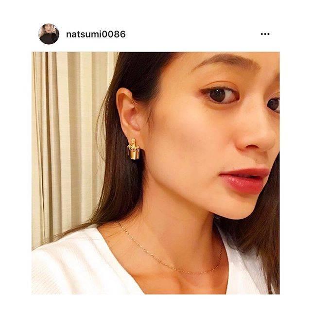 """Hedy (エディ) on Instagram: """"モデルとして大活躍されている黒木なつみさんがセレクトアクセサリーのフリンジピアスをご愛用くださっております。なつみさん @natsumi0086 、ありがとうございます♡#hedy_japan #select #earrings #gold"""" (52887)"""