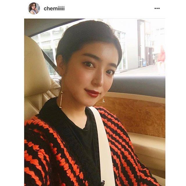 """Hedy (エディ) on Instagram: """"モデルとして大活躍中の大口智恵美さんが展示会にてご購入くださったセレクトラインの新作アクセサリーをご愛用くださっています。智恵美さん @chemiiiii 、ありがとうござます♡#hedy_japan #model #accessary"""" (52898)"""