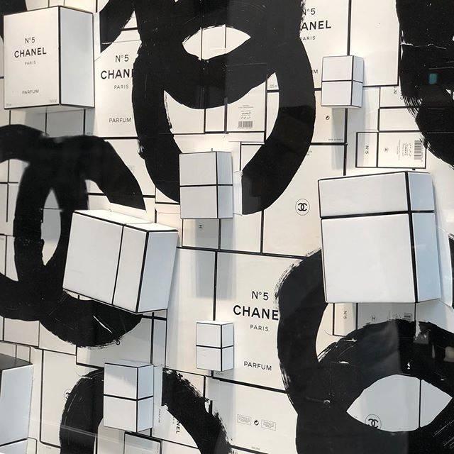 keikoさんはInstagramを利用しています:「・ CHANEL💋 . フランク ホーヴァット写真展「Un moment d'une femme」シャネル銀座ビルディング4階シャネル・ネクサス・ホールにて開催。 本日最終日📷 . #tokyo #ginza #chanel写真展 #frankhovat #シャネル #銀座…」 (53109)