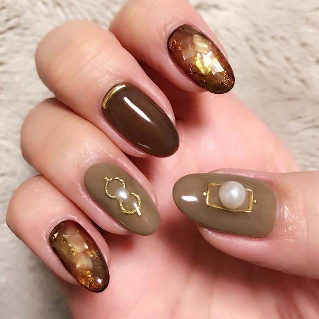 Eriko ImaiさんはInstagramを利用しています:「My nails💅🏻 右手✨ 左手とパーツの乗せ方をちょこっと変えました💓  #nailland #nailart #nails #naildesign #nailstagram  #네일 #gelnails #gelart #geldesign #winternails…」 (53516)