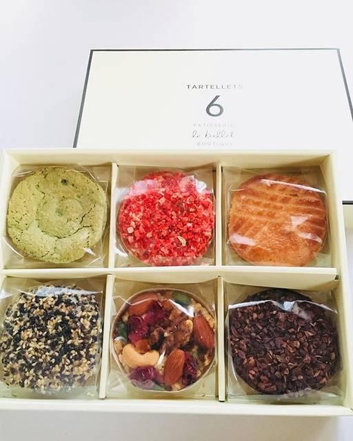 アトリエLovin(ラビン)さんはInstagramを利用しています:「『le billet』のタルト😊.東京から頂きものでとっても美味しい💕.見ていて、どれにしようかと真剣に考えてしまう🤗.#le billet#ルビエ#美味しいタルト#東京から#神戸のお店#タルトレット」 (54051)