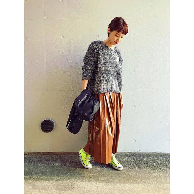 "@eyeronim on Instagram: ""#fashion #instafashion #outfit #cordinate #styling #converse #metalicsweater #metalicskirt #eyeronim #アイロニム #コーディネート #コーデ #メタリックスカート…"" (54280)"