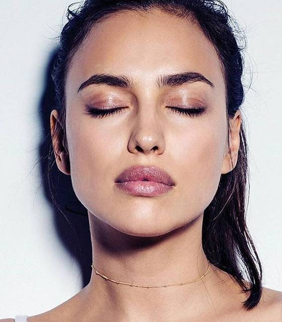 "ARE YOU AM I on Instagram: ""🌟 @irinashayk in our Alva choker"" (54285)"