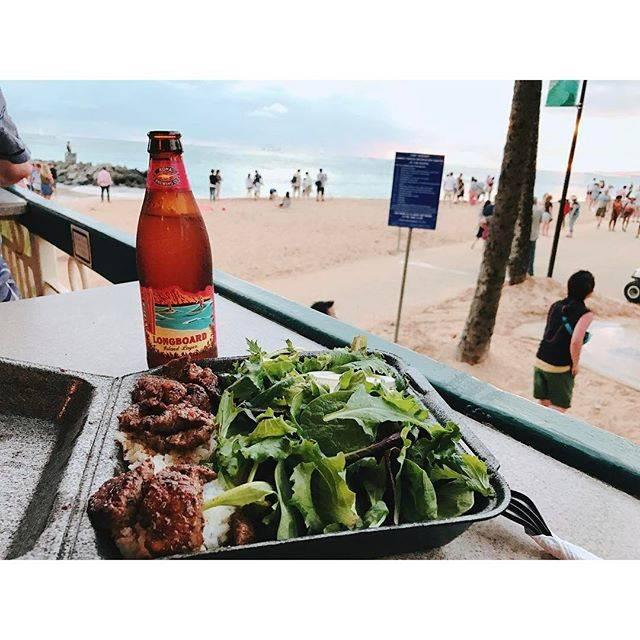 "Anna Tajiri on Instagram: ""最後の夜はビーチ沿いのお店でステーキプレート&コナビール。 この後ヒルトンから上がる花火を🎆✨ でもボッチは寂しい...😭 ・ #ハワイ #ホノルル #ワイキキビーチ #ステーキシャック #Hawaii #honolulu #waikikibeach #steakshack…"" (55311)"