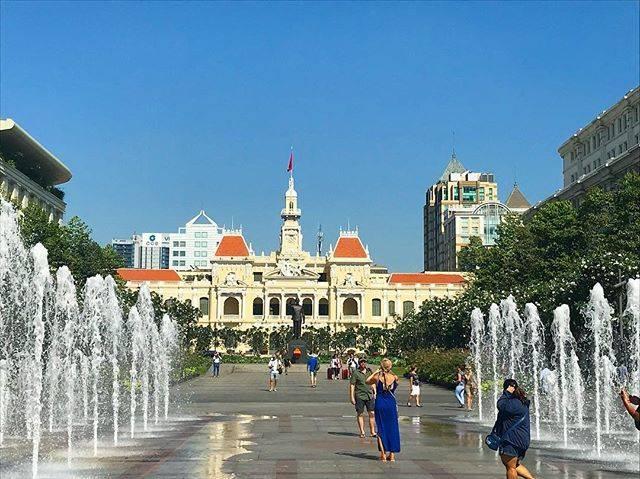 すえひろみなみさんはInstagramを利用しています:「#ベトナム#海外旅行#ホーチミン #ドンコイ通り#ホーチミン人民委員会庁舎 #綺麗#🇻🇳#噴水#2018#Vietnam#楽しすぎ#すでに#戻りたい#暖かい#物価が安い#みんな優しい#国民#常に笑顔」 (55529)