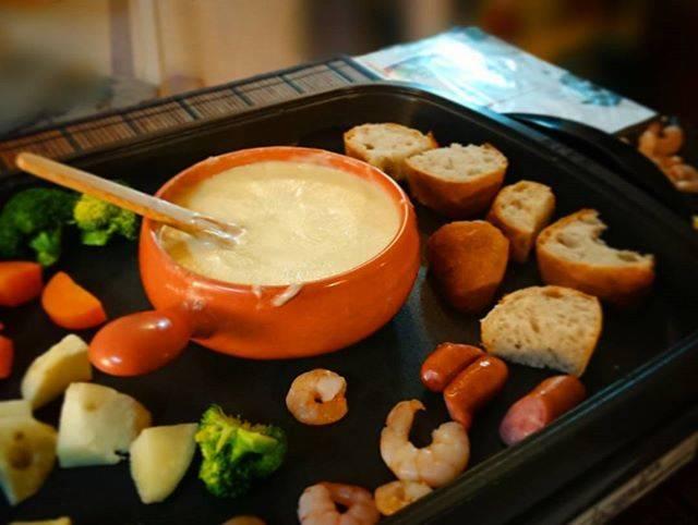Ykie KudoさんはInstagramを利用しています:「久しぶりにチーズフォンデュ‼️ #おうちごはん #夕食#チーズフォンデュ#ホットプレートでチーズフォンデュ」 (55536)